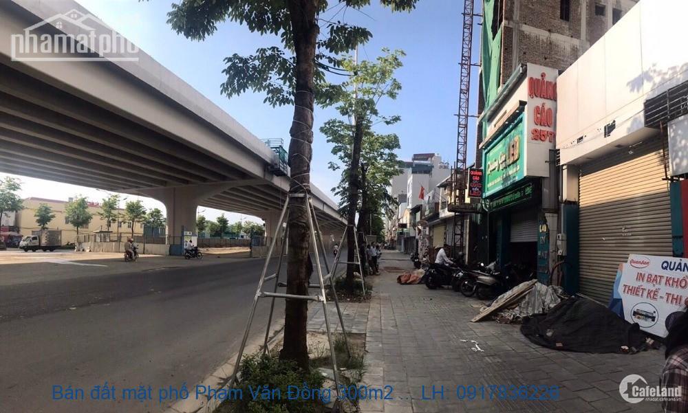 Bán đất mặt phố Phạm Văn Đồng 300m2 MT:12m giá 68tỷ