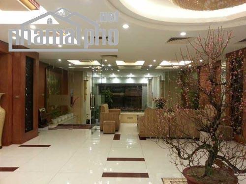Bán khách sạn nhà mặt phố Ngọc Hà 310m2x9T MT:7m giá 100tỷ