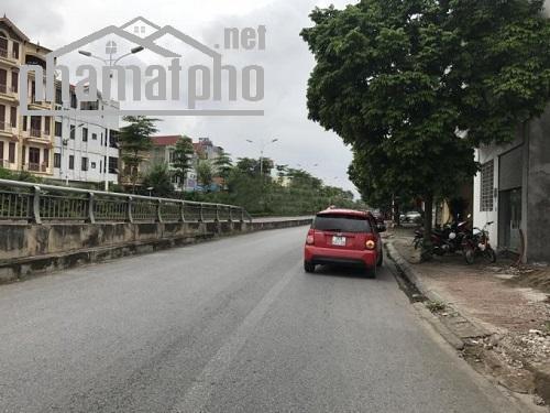 Bán nhà mặt phố Chu Huy Mân vào Vinhomes 300m2 giá 45tỷ