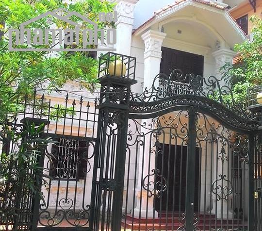 Bán nhà mặt phố Hoàng Văn Thái 150m2x3T MT:10m giá 42tỷ